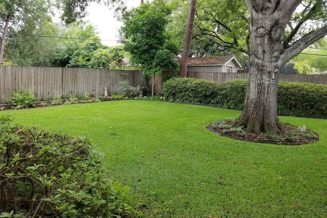 7806 Meadowglen Lane Houston, TX 77063
