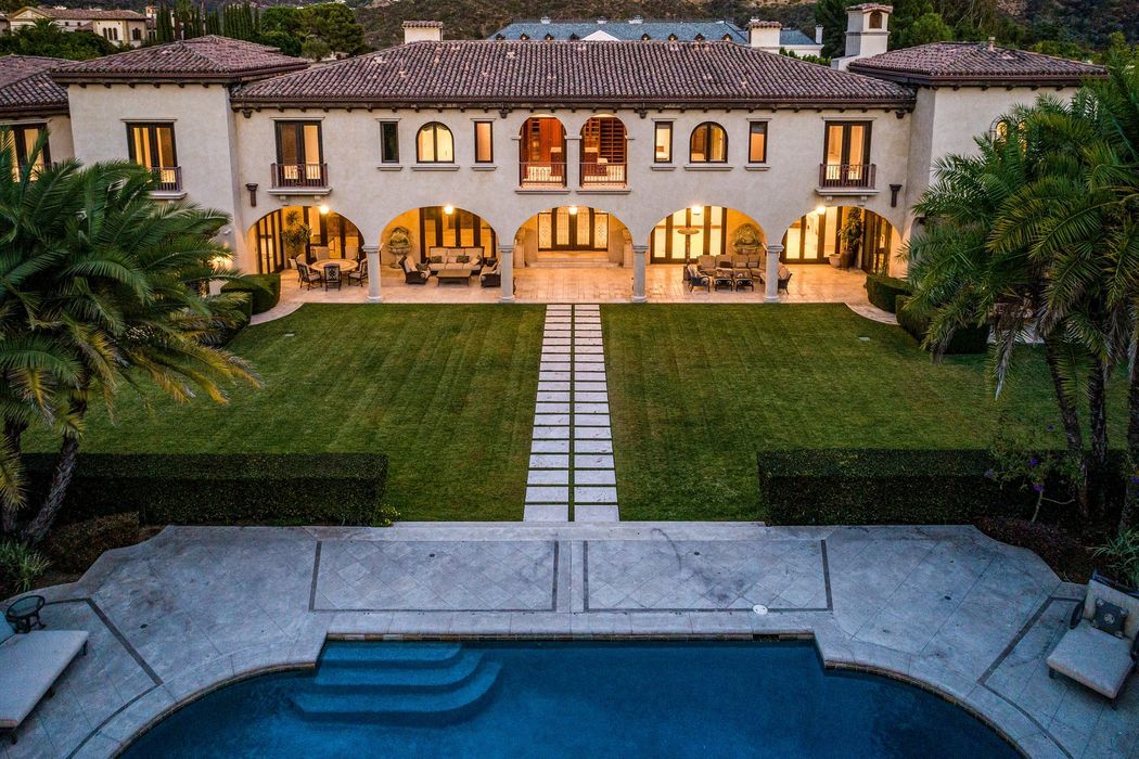 44 Beverly Park Circle Beverly Hills, CA 90210