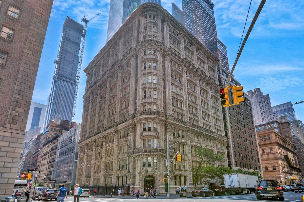 180 West 58th Street New York, NY 10019