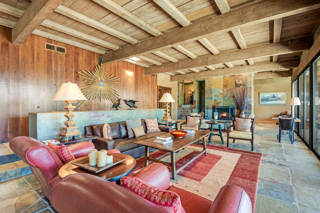 107 Barranca Road Santa Fe, NM 87501