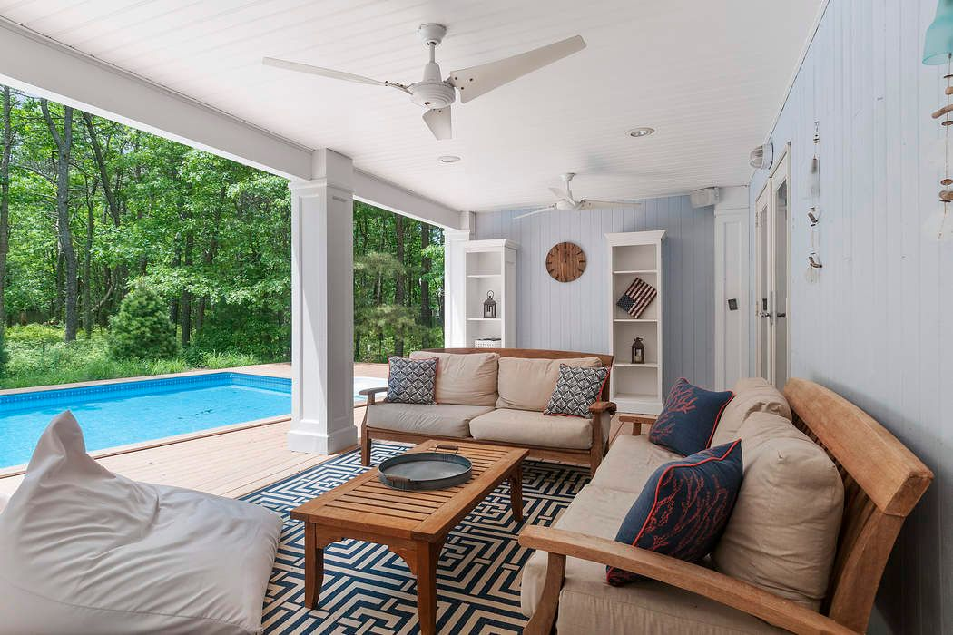 65 Edwards Hole Road East Hampton, NY 11937