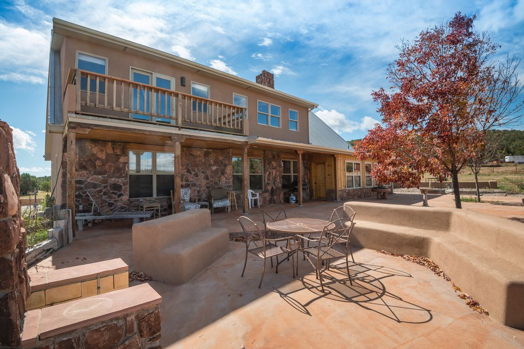 220 La Para Road Estancia, NM 87016