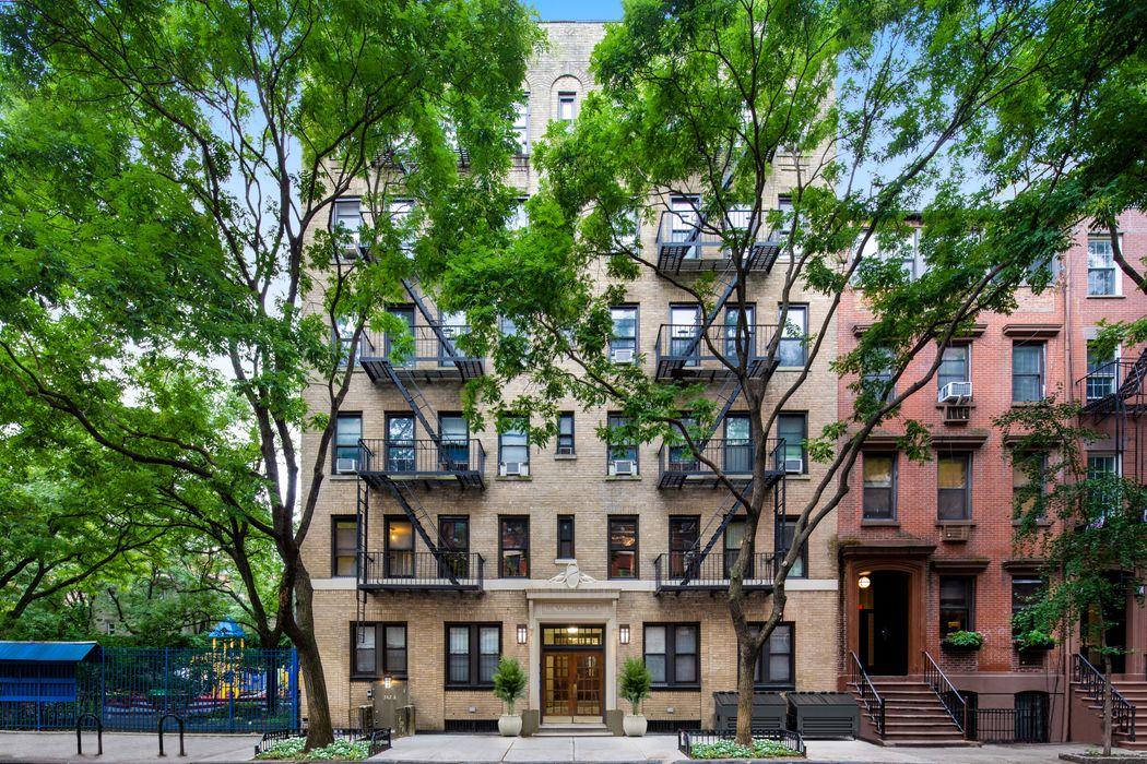 342 West 21st Street New York, NY 10011