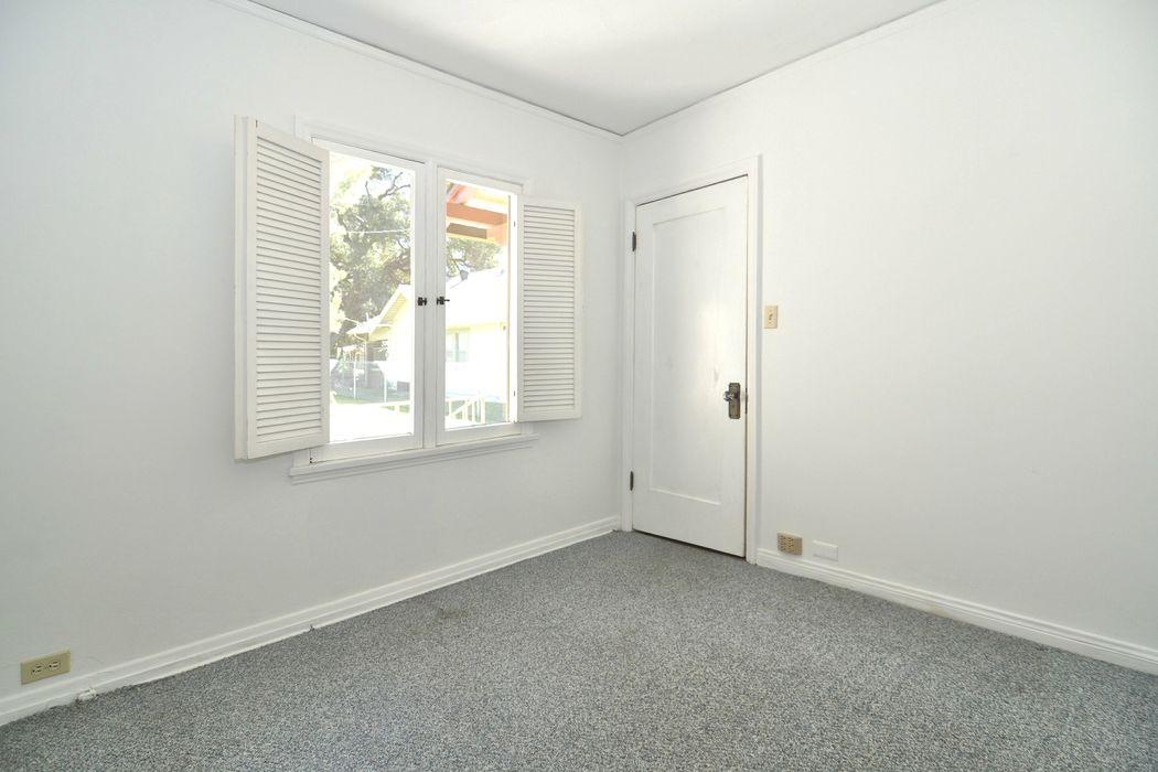 Spanish Mediterranean Revival Bungalow Pasadena, CA 91104