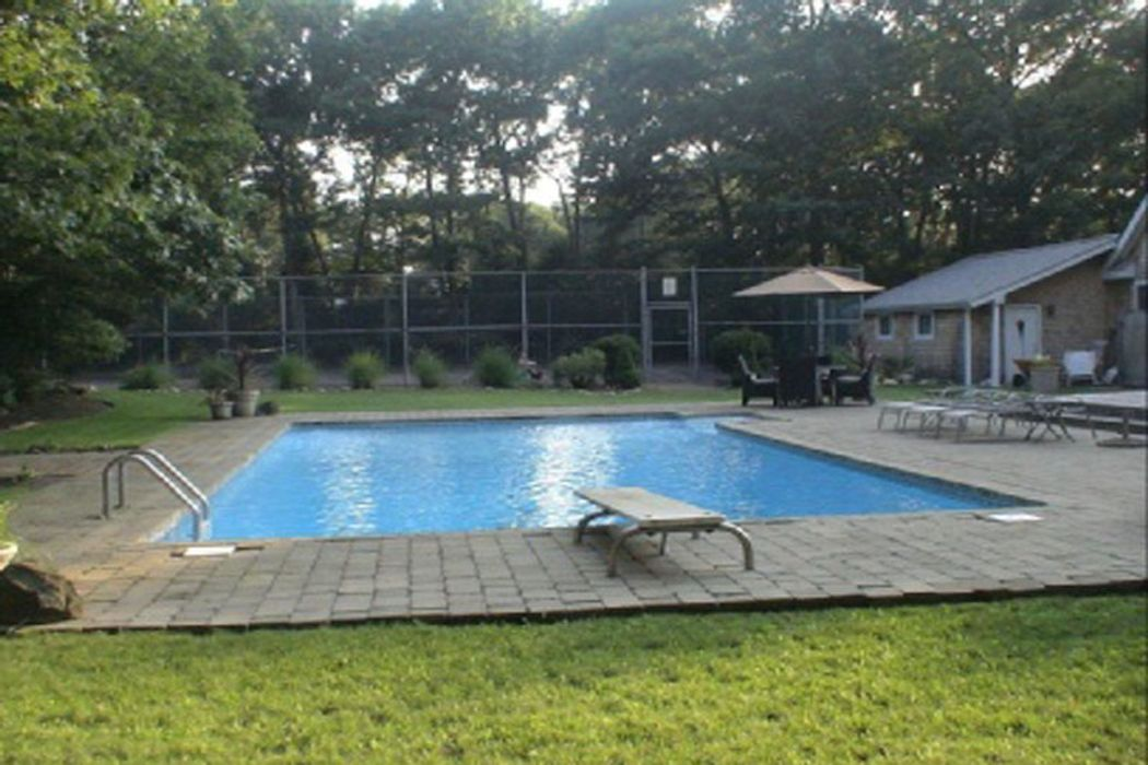 Post Modern Summer Retreat with Tennis Sag Harbor, NY 11963