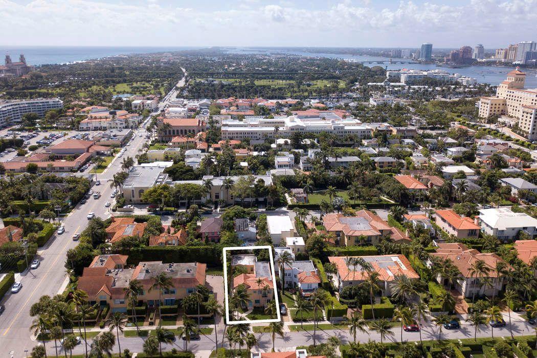 218 Everglade Ave Palm Beach, FL 33480