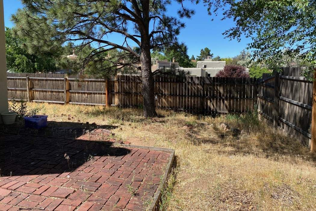 2344 Calle Luminoso Santa Fe, NM 87505