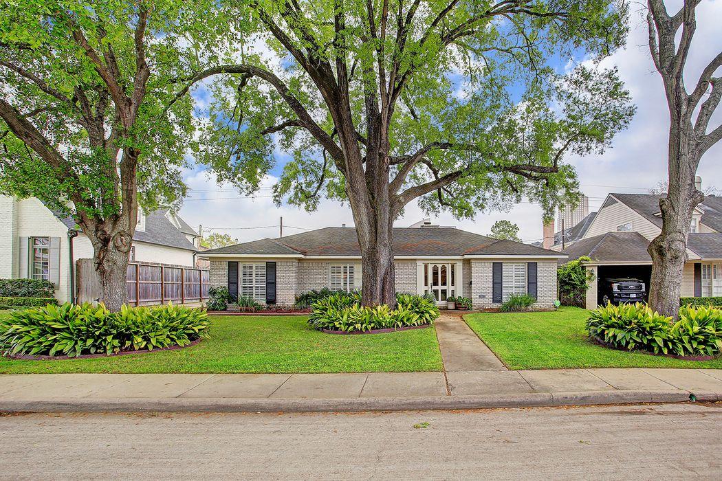 1503 Briarmead Drive Houston, TX 77057
