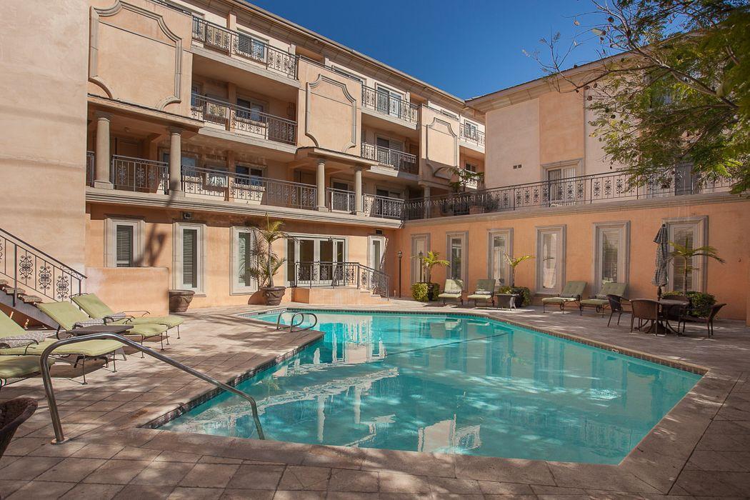 1000 S Westgate Avenue Los Angeles, CA 90049