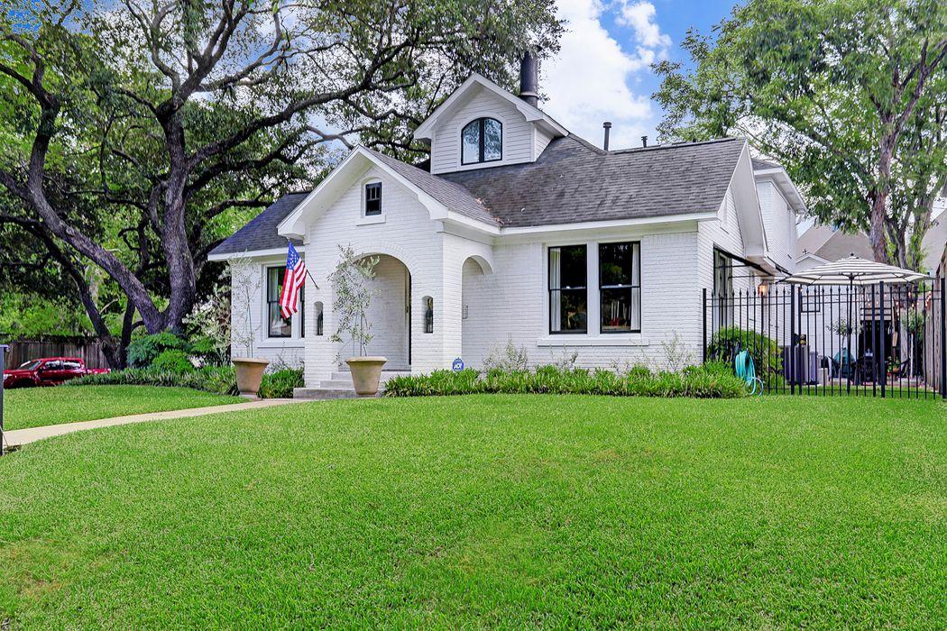 2101 Wroxton Road Houston, TX 77005