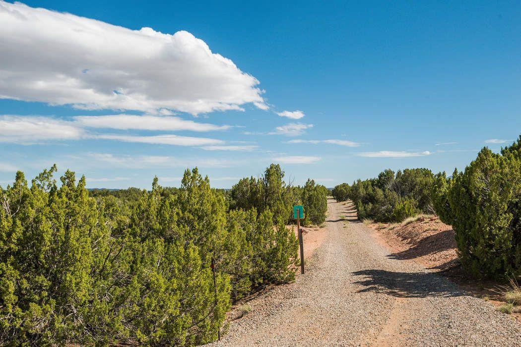 57 Camino Los Abuelos Santa Fe, NM 87508