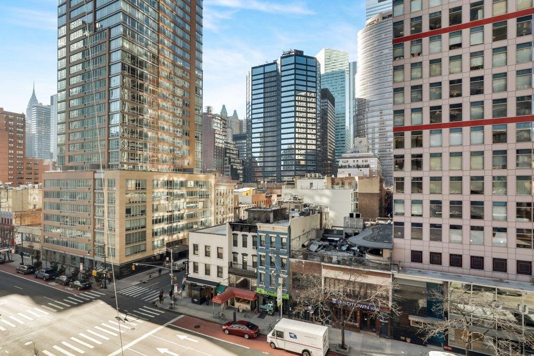300 East 54th Street New York, NY 10022