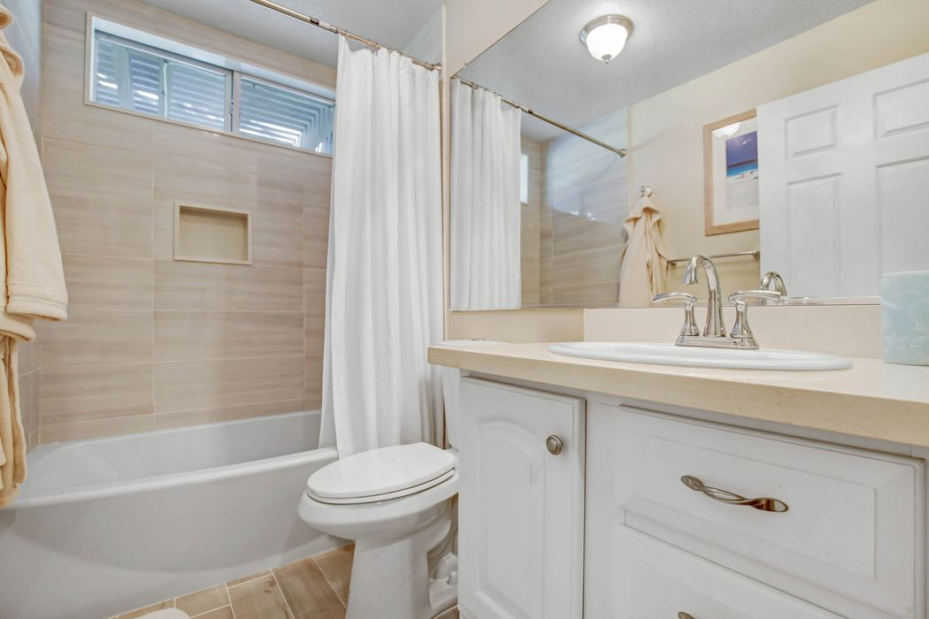 Peaceful and Gorgeous Remodel with Views Murrieta, CA 92562