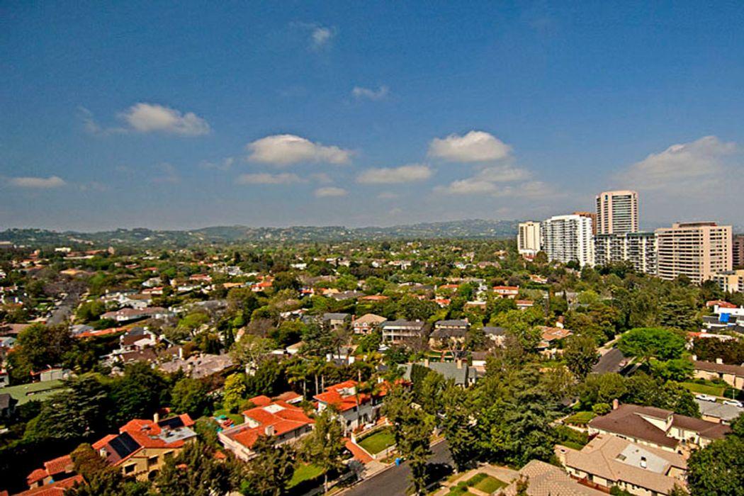 10727 Wilshire Blvd Los Angeles, CA 90024