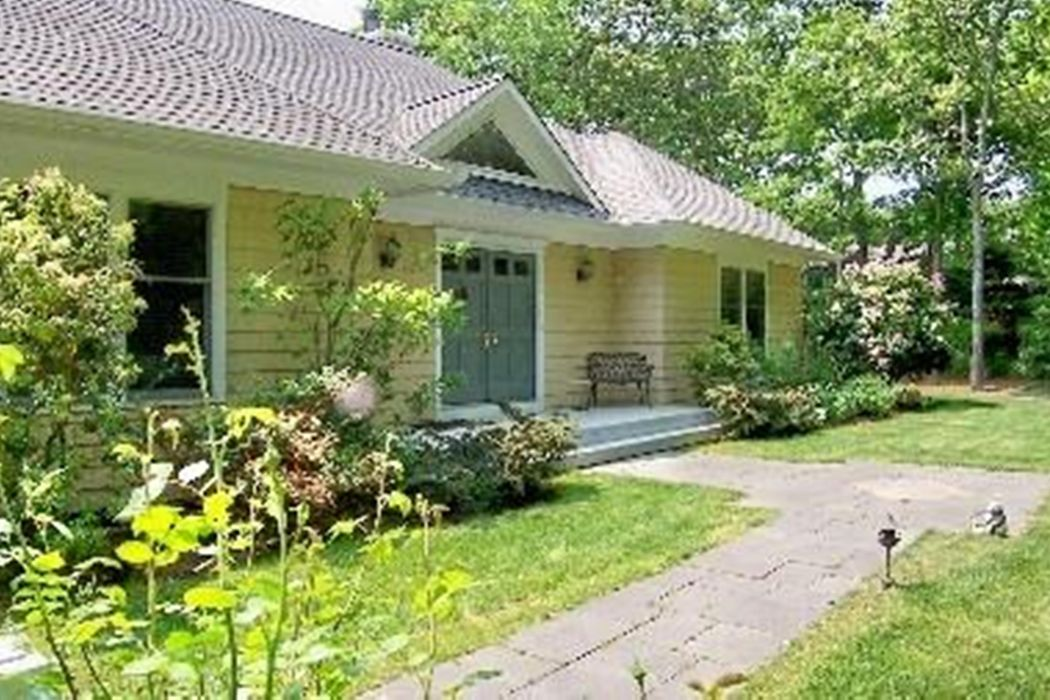 Sweet Wainscott Post Modern with Tennis Sagaponack, NY 11962