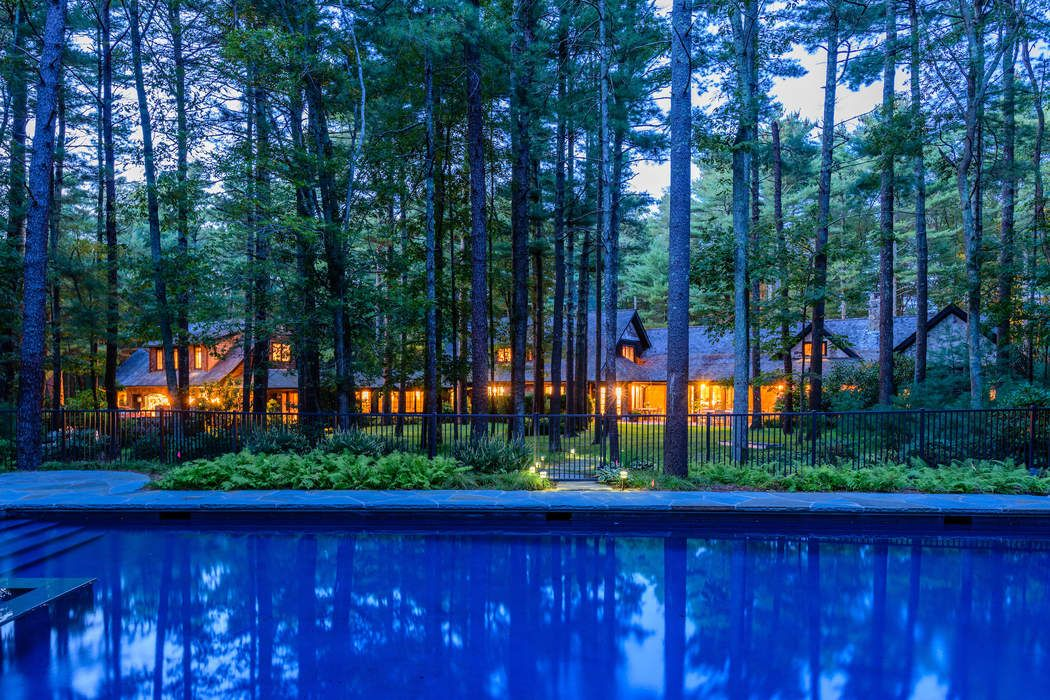 AMAZING ADIRONDACK HOME  East Hampton, NY 11937