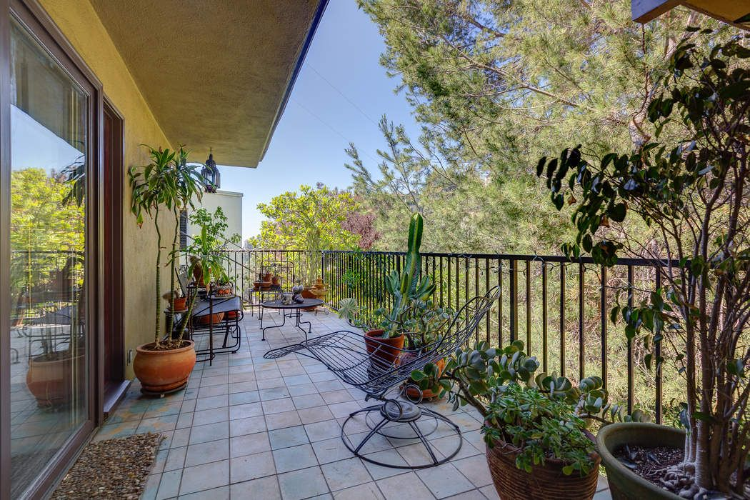 6266 Rodgerton Drive Los Angeles, CA 90068