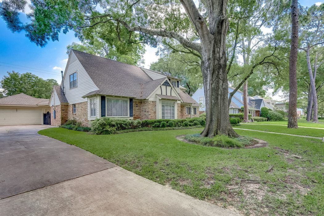 630 Bendwood Drive Houston, TX 77024