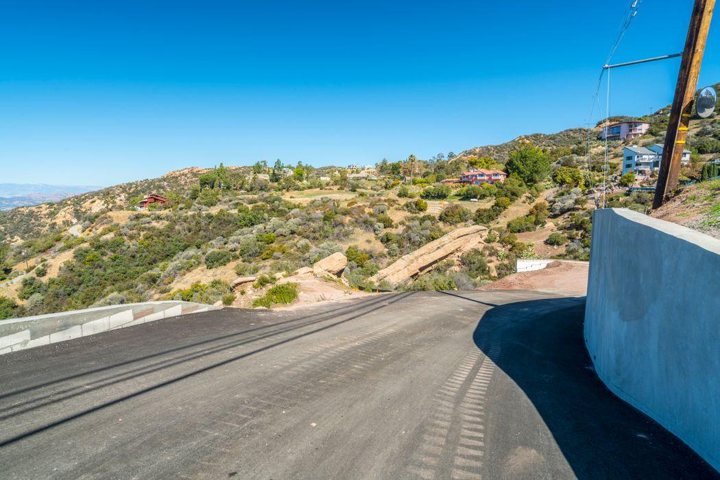 24775 W. Saddle Peak Road Malibu, CA 90265