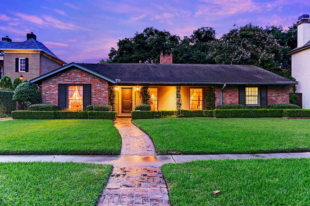 3802 Meadow Lake Lane Houston, TX 77027