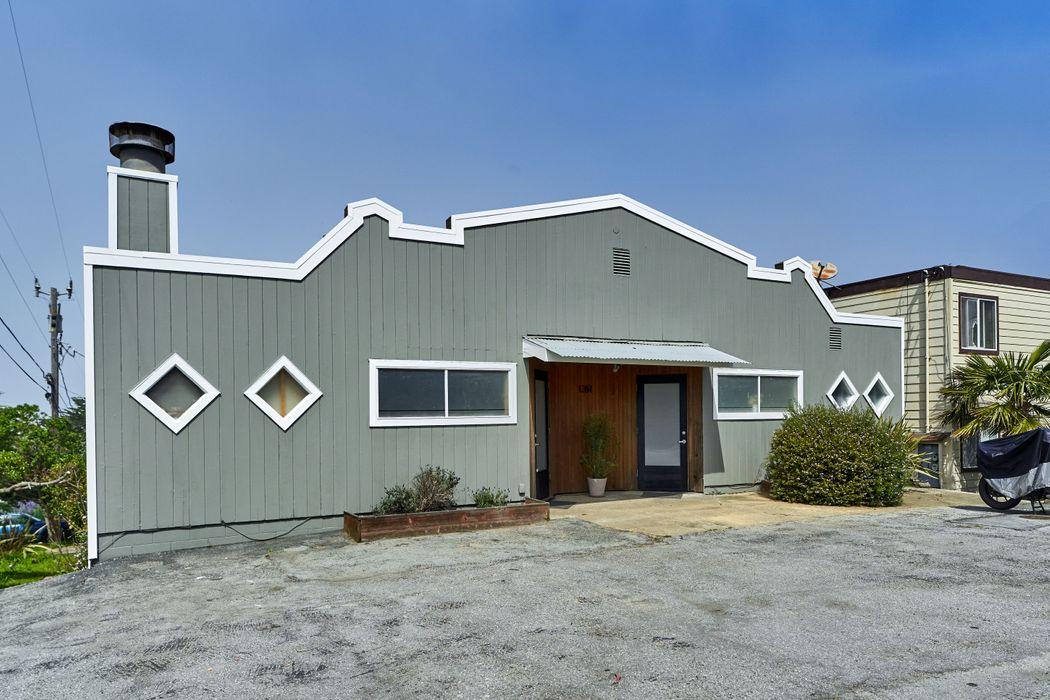 1361 Main St Montara, CA 94037
