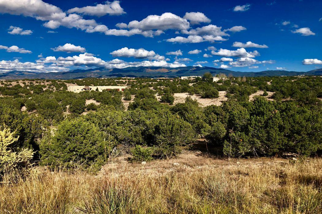 5 Vista Del Cielo Santa Fe, NM 87506