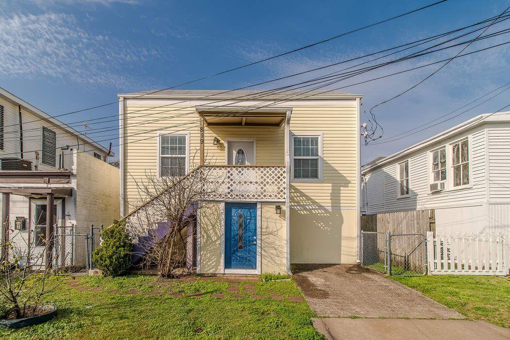 819 9th Street Galveston, TX 77550