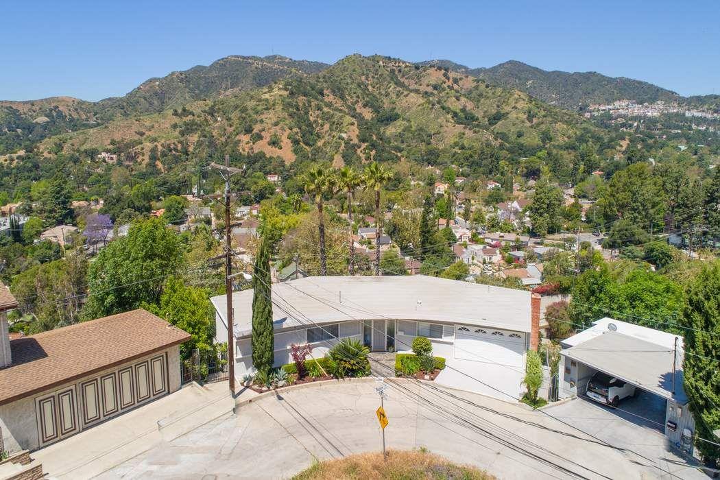 2686 Bogue Drive Glendale, CA 91208