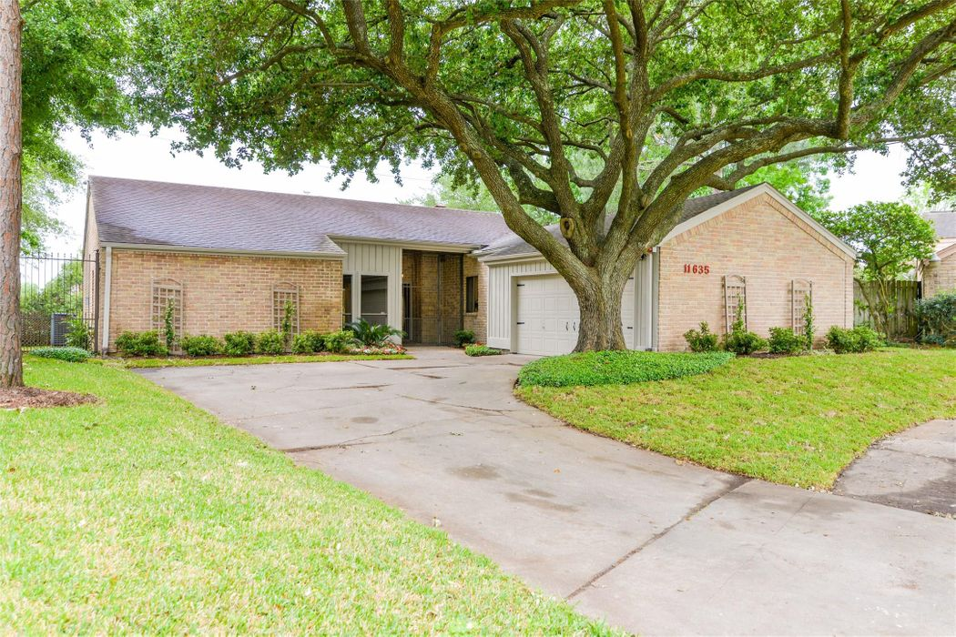 11635 Cedar Creek Drive Houston, TX 77077