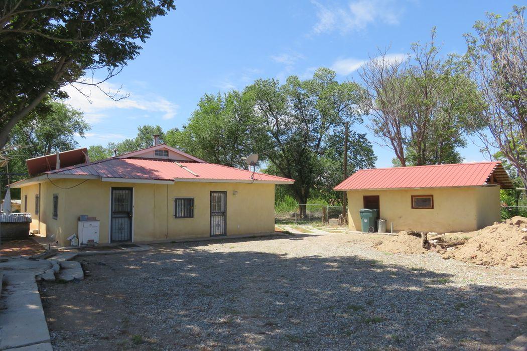 678 State Hwy 76 Chimayo, NM 87522