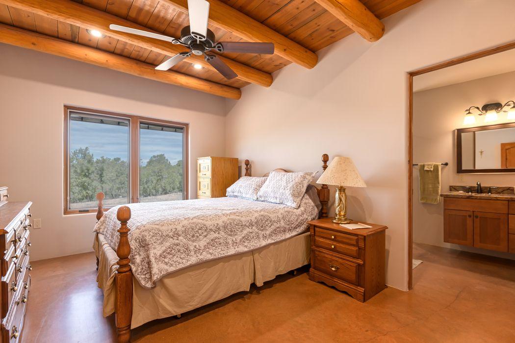 221 Camino Del Norte Santa Fe, NM 87501