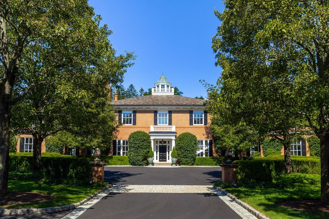 16 Andrews Farm Road Greenwich, CT 06831
