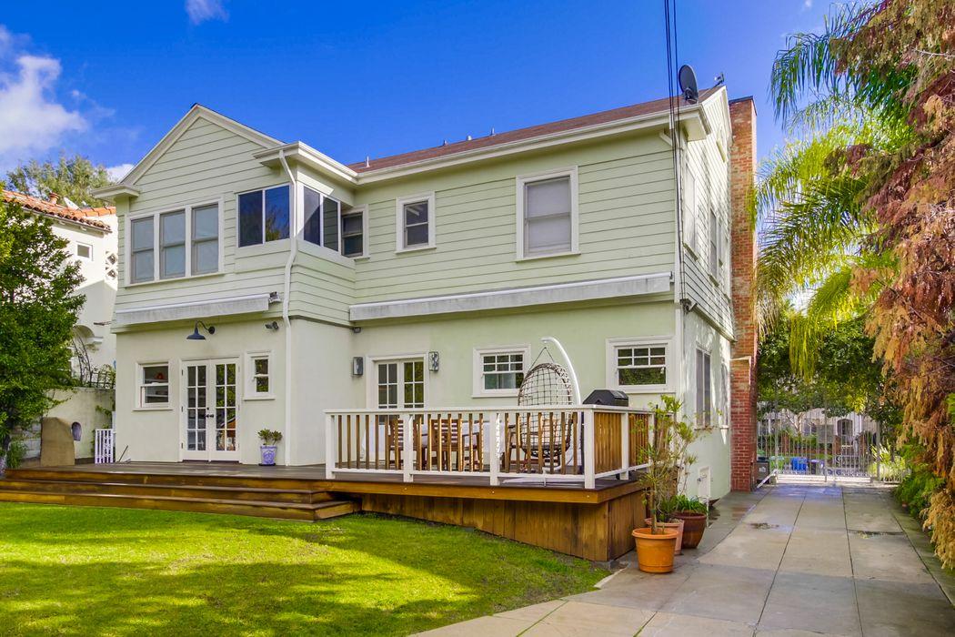 1939 North Hobart Blvd Los Angeles, CA 90027