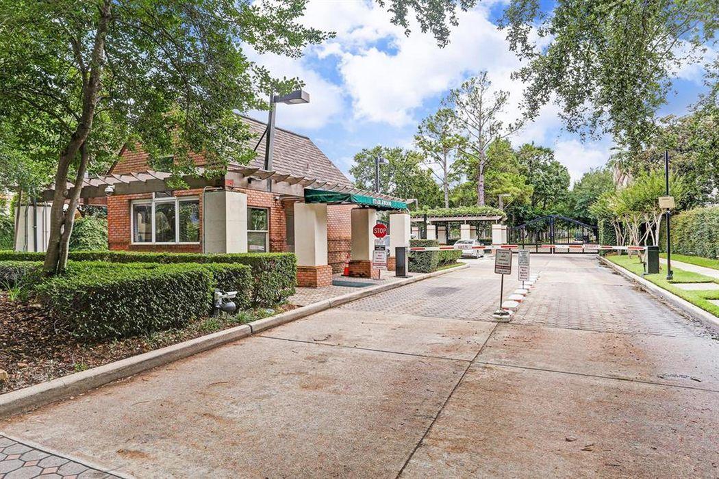 8615 Stable Crest Boulevard Houston, TX 77024