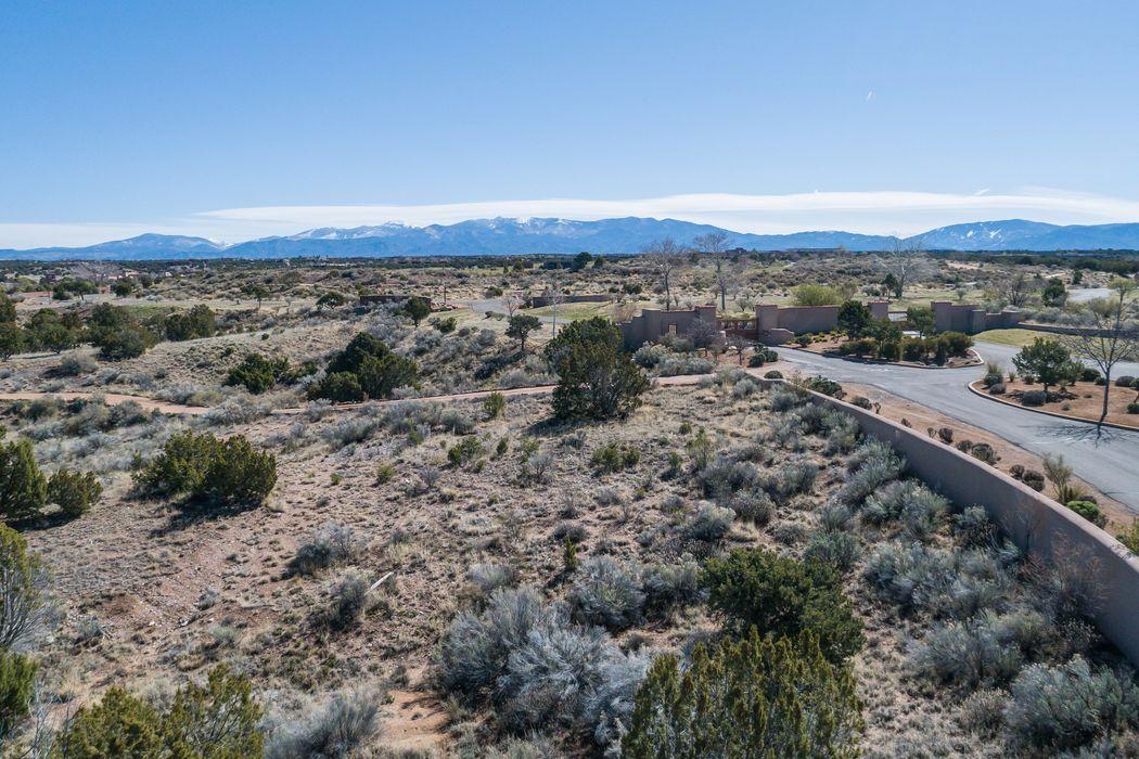 86 Grey Wolf Santa Fe, NM 87506