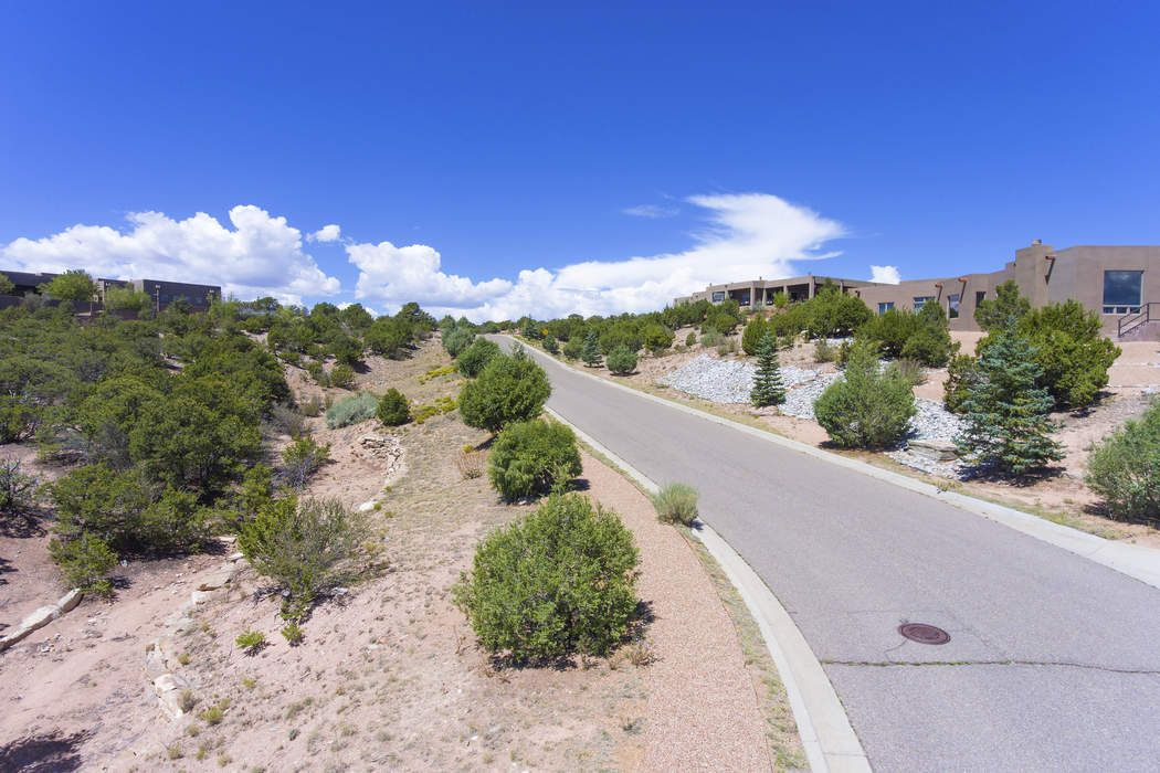 844 Calle David Santa Fe, NM 87506