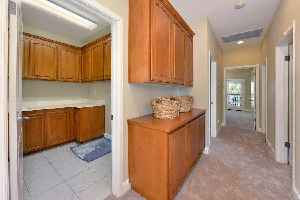 2127 Wedgewood Way Santa Rosa, CA 95404
