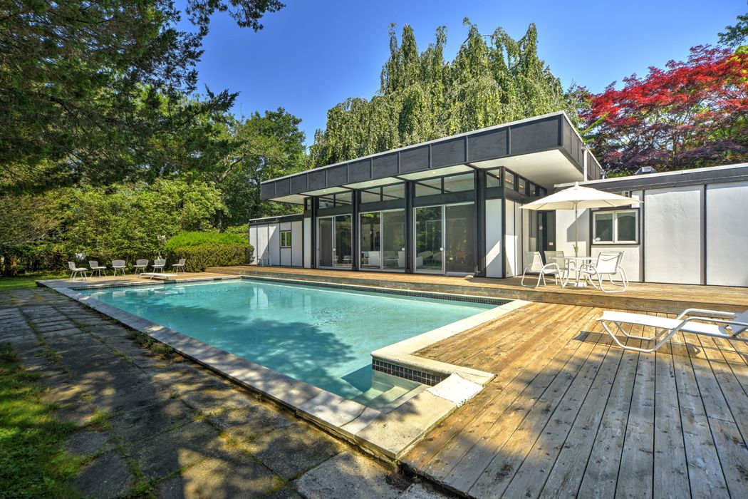 123 Georgica Road East Hampton, NY 11937