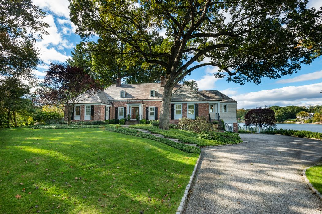25 Indian Chase Drive Greenwich, CT 06830