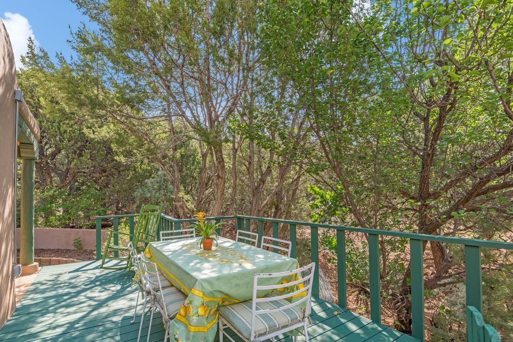937 Vista Jemez Ct Santa Fe, NM 87505