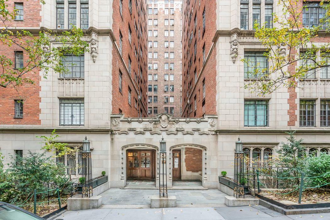 325 East 41st Street New York, NY 10017