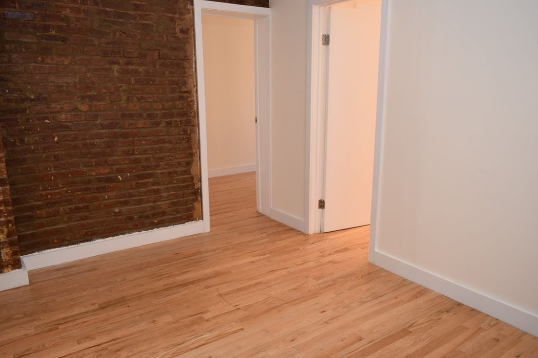 319 East 95th Street New York, NY 10128