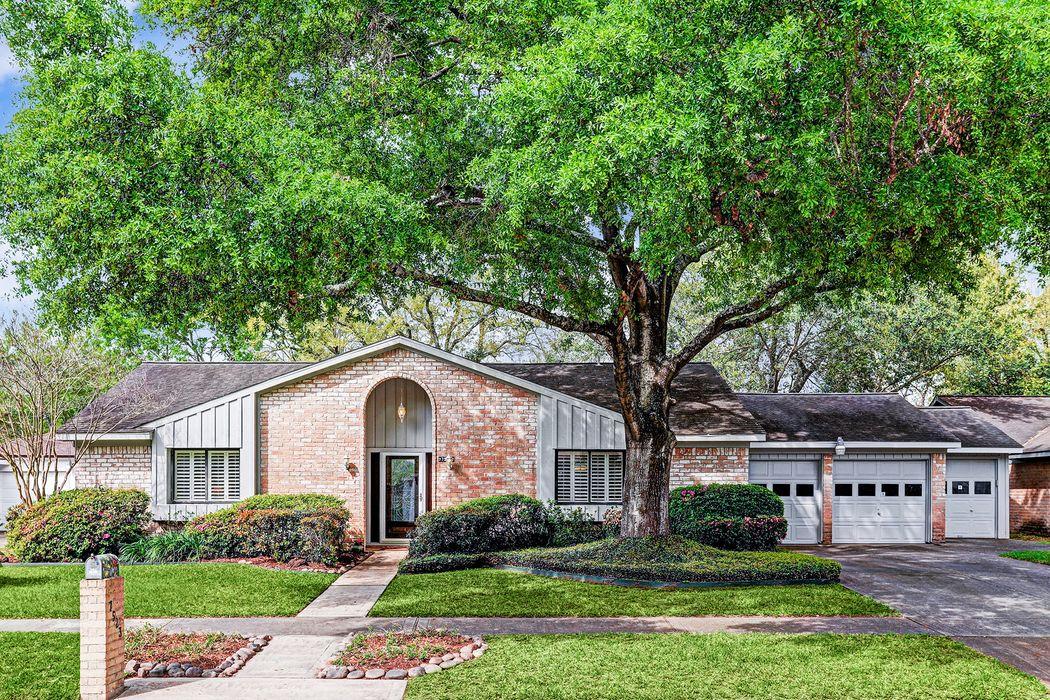 7523 Brush Wood Drive Houston, TX 77088