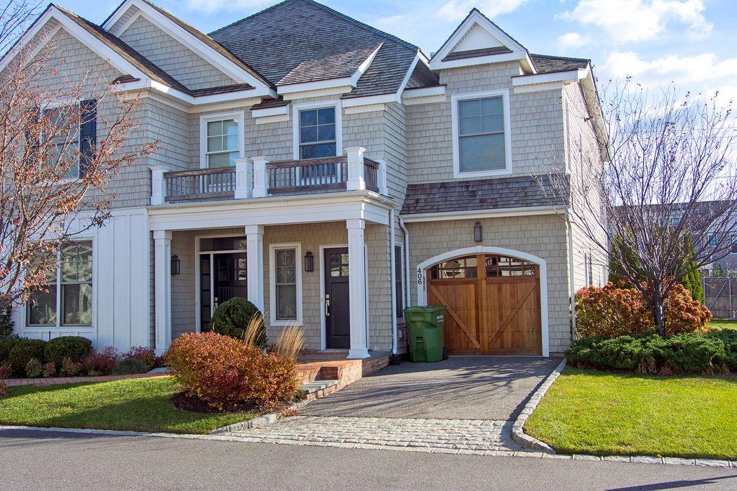 Bishops Pond Upper Villa Condo Southampton, NY 11968