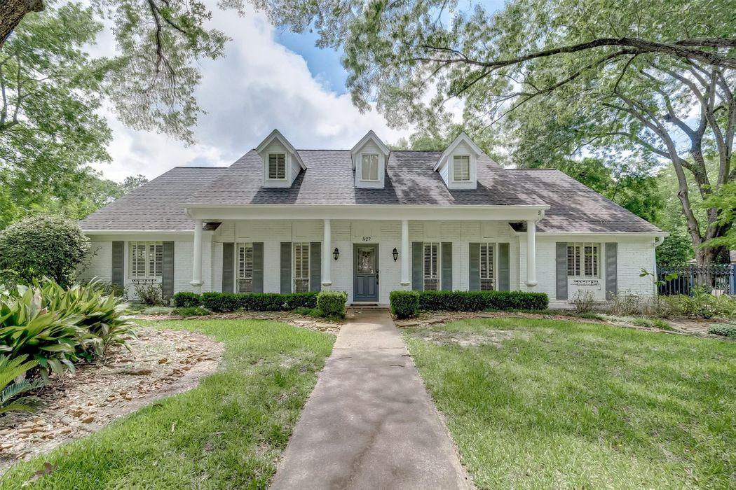 827 Heathcliff Court Houston, TX 77024