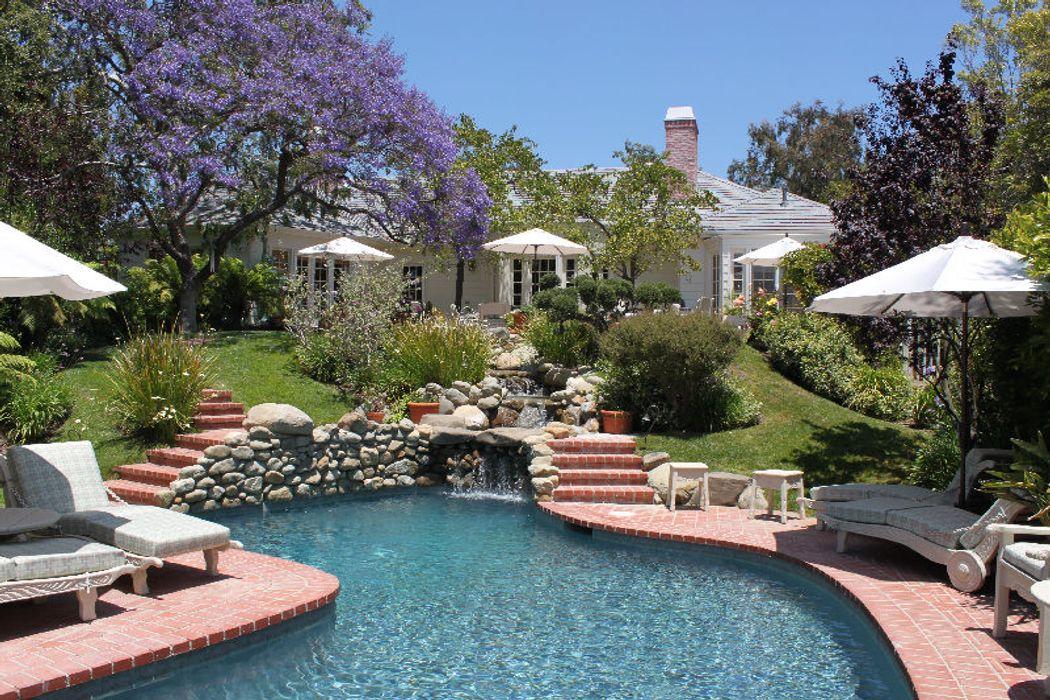 215 Ashdale Place Los Angeles, CA 90049