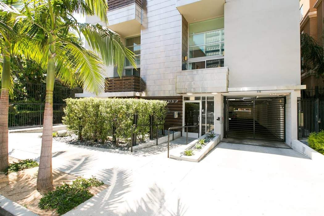 7062 Hawthorn Avenue Los Angeles, CA 90028