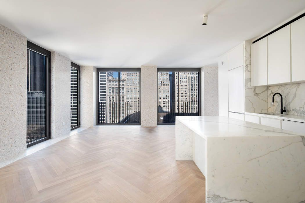 16 West 40th Street Apt 16A