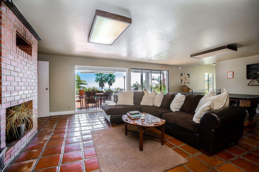 3380 Sweetwater Mesa Road Malibu, CA 90265