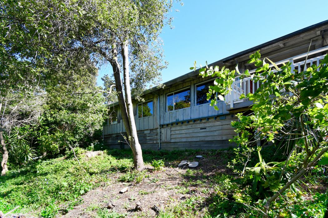 3820 Whitman Circle Carmel, CA 93923